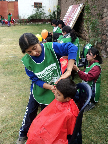 In the city of Ayacucho (Peru), town of Luricocha, Huanta province, a Day of Health-Oriented Activities, related to personal hygiene, entertainment, health care, environmental education and nutrition was held by New Acropolis volunteers, who assisted more than 150 people.