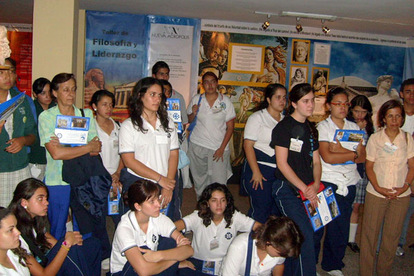 Culture and Philosophy Exhibit presented by New Acropolis Medellín (Colombia). Visit by students from different colleges in the city.