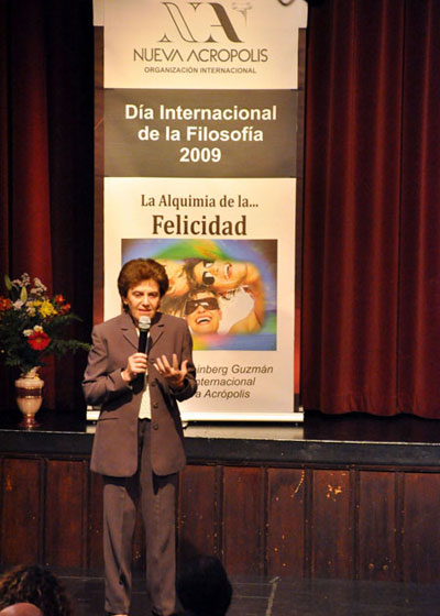 "For World Philosophy Day, NA's International Director, Delia Steinberg Guzmán, gives a lecture entitled ""The Alchemy of Happiness"" at NA Madrid."